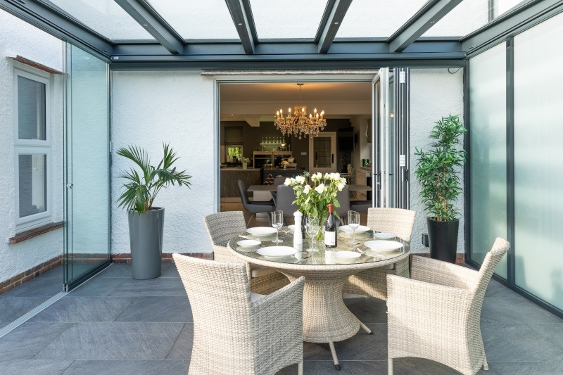 The Difference Between a Sunroom and Conservatory
